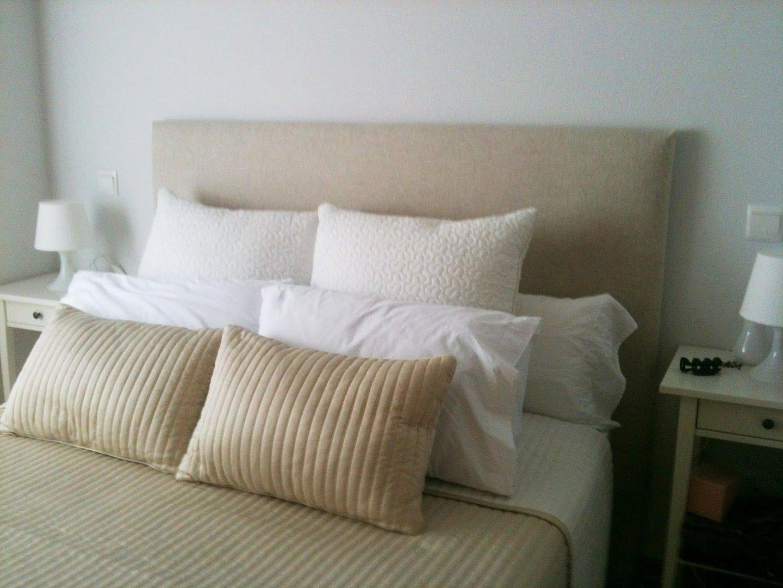 Cabeceros de madera pintados decorar la pared del for Cabeceros de cama con papel pintado